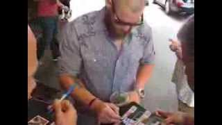 Jonny Gomes signs autographs for The SI KING 9-6-13