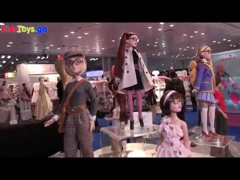 Stand Tonner Doll Company Desde ToyFair Ny - Fisher-Price Think