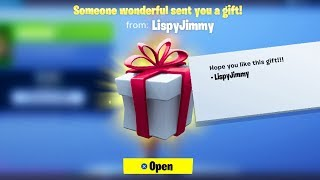 GIFTING SKINS IN FORTNITE RIGHT NOW! (FORTNITE BATTLE ROYALE)
