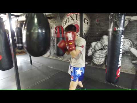 Everlast HYDROSTRIKE Heavy Bag Workout - How To Improve Punching Power - Conditioning Circuit