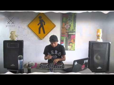 Trap / Dubstep Mix [ Numark MixTrack Pro 2 ]  (3D Music Set)