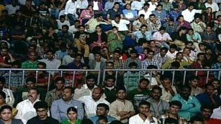 Fans waiting for ALLU ARJUN Son of Satyamurthy Audio Launch Video