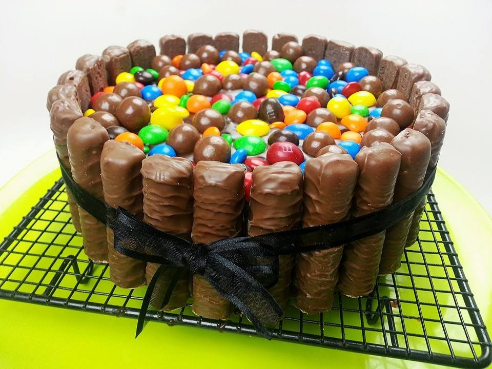 TWIX MUD CAKE with MMs Maltesers How to YouTube