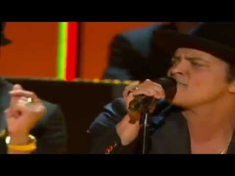 Grammy Awards 2013 Locked out of heaven + Tribute to Bob Marley