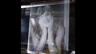 видео Лазерная гравировка внутри стекла