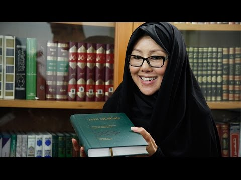Thai Lady Converts To Islam at Imam Reza (AS) Shrine