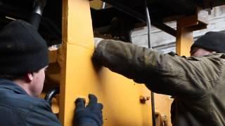 Ремонт фронтального погрузчика(Одной из очень важных специализаций ООО «ТДС УкрСпецтехника» есть ремонт дорожно-строительной техники..., 2015-04-20T11:09:59.000Z)