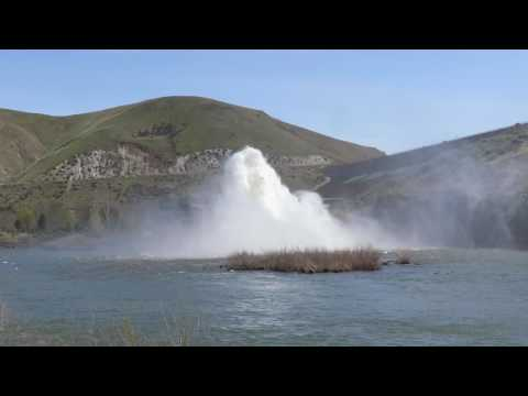 Lucky Peak Dam Rooster Tail  above Boise, Idaho 4 22 2017