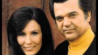 Loretta Lynn, Conway Twitty – After The Fire Is Gone Video Thumbnail