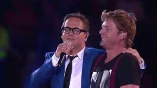Guus Meeuwis & Racoon -- Het is een nacht/Love you more (live @Groots met een zachte G 2013)