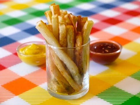 healthy-snack-ideas-for-kids:-how-to-make-oven-baked-fries---weelicious