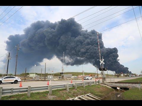 اندلاع حريق ضخم في ولاية تكساس الأمريكية  - نشر قبل 18 دقيقة