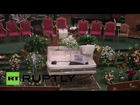 USA: Mourners say last goodbyes at Freddie Gray funeral ...