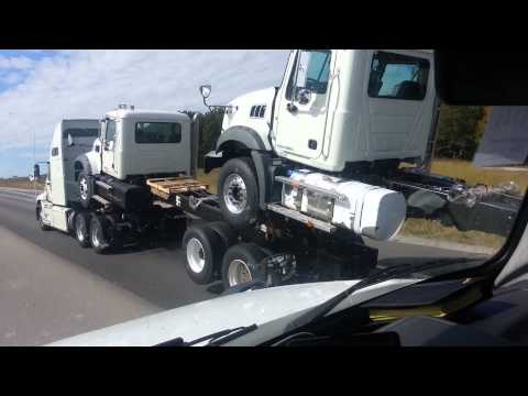 Semi Truck Transportation Delivery