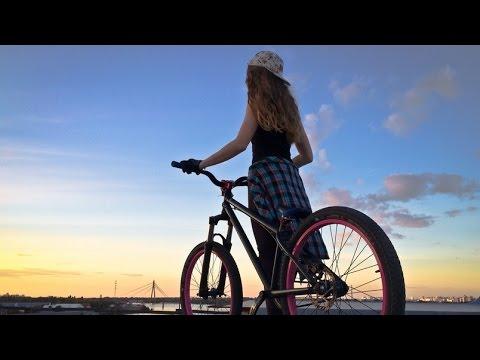Tami | She's not a rider. She just loves her bike... (Kiev 2016)