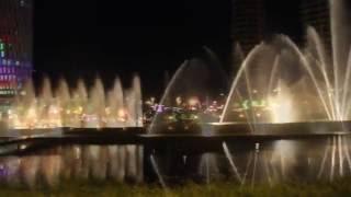 Поющие фонтаны? Танцующие фонтаны? Фонтаны в Батуми(И поющие, и танцующие! Фонтаны в Батуми :) Приглашаю к просмотру видео о танцующе-поющих фонтанах в грузинско..., 2016-06-01T16:43:08.000Z)