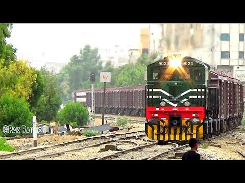 Pakistan Railways New Sensation, GE ES43ACi Leads 501 UP Super Parcel Express