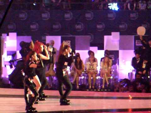[Fancam] MAMA 29/11/2011 @ Singapore - 2NE1: I Am The Best