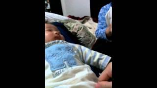 大好きなクマを見て興奮する赤ちゃん 永瀬はるか 動画 24