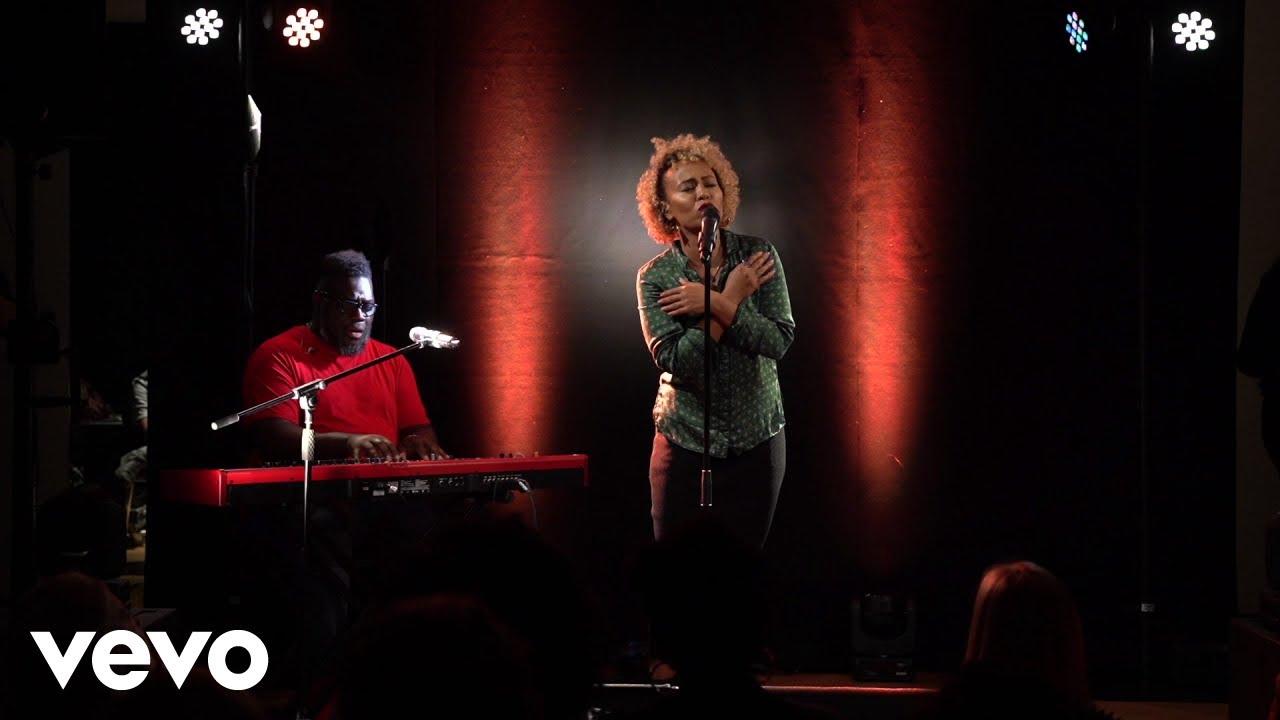 Emeli Sandé - Shine (Sofar Sounds London)