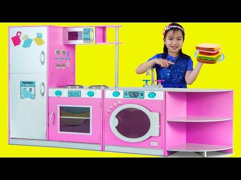 Jannie Juega con la Cocina de Juguete Deluxe | Pretend Play Toy Kitchen