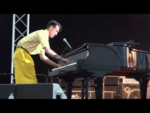 Live Music : Boogie Woogie : Marlborough Jazz Festival : The Jive Aces, with Vince Hurley {Piano}