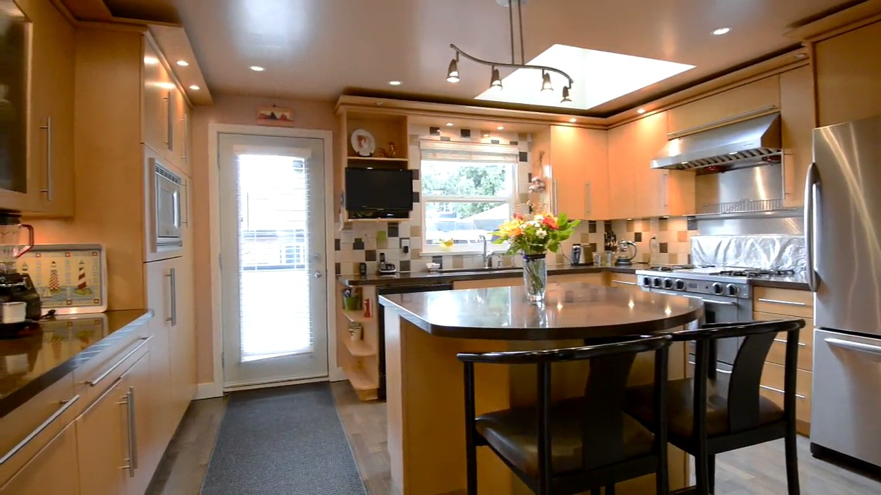 4140 W 10th Avenue, Beautiful Point Grey Mountain View! - YouTube
