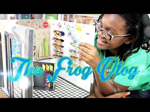 The Frog Vlog We Paint Our Nails Using Our Doll Nail P Doovi