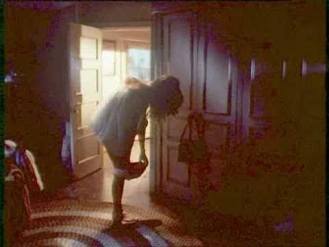 Download Daisy Duke Undresses for Bed.flv