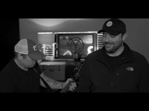 #RaisedOnCountry / Joe Diffie - Prop Me Up Beside the Jukebox (If I Die)