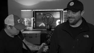 #RaisedOnCountry / Joe Diffie - Prop Me Up Beside the Jukebox (If I Die) Video