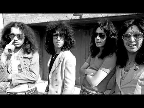 """The """"Creem"""" photos of Kiss without makeup (1974)"""