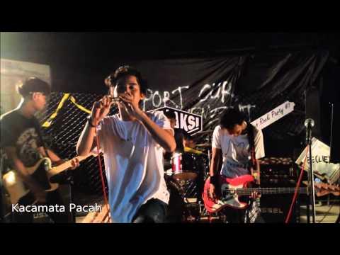 KACAMATA PACAH - KAWAN JUA PENJAHATNYA (LIVE) Unfamous Rock Party 7