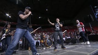 Parokya ni Edgar performs Bagsakan with two lucky fans!