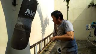 Drilling 30 seconds kyokushin punch without mercy