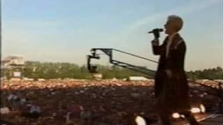 Eurythmics - I Love You Like A Ball And Chain (live) 1/3
