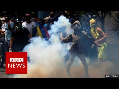 Venezuela crisis: Three killed at anti-government protests - BBC News