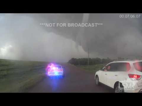 5-24-16 Dodge City, KS Tornado Wide Angle Video
