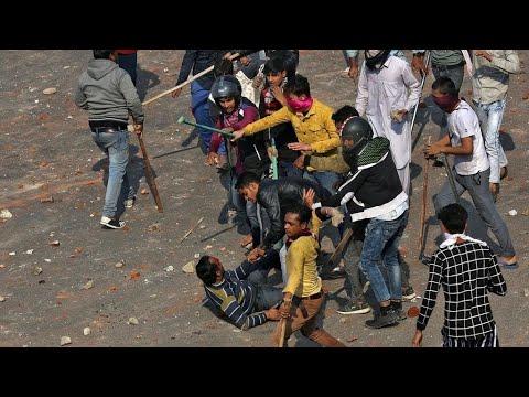 الهند: قتلى وجرحى في صدامات بين محتجين هندوس ومسلمين بسبب قانون الجنسية الجديد  - نشر قبل 4 ساعة