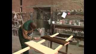 СТОЛЯРЫЧ ПОКРАСКА(Подготовка поверхности, шлифовка лестницы, покраска лестницы. Показано как красить лестницу в фабричных..., 2012-10-08T07:55:37.000Z)