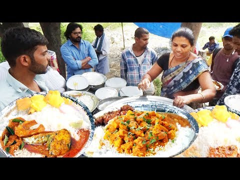 It's a Office Lunch Time in Hyderabad   Chicken Rice @ 60 Rs / Veg Meals @ 50 Rs/   IndianStreetFood