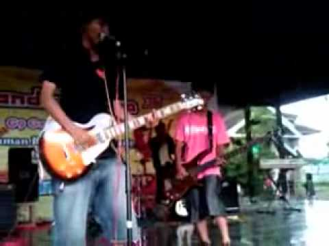 Kacamata Pacah - Carousel and Josie  Cover Blink 182 .wmv