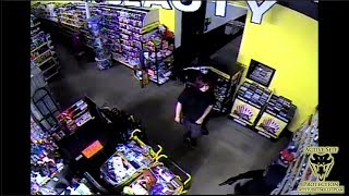 Armed Employee Tries to Find the Right Time to Counter Ambush | Active Self Protection