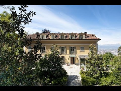Ecco la casa di cristiano ronaldo a torino youtube for La casa di ronaldo a torino