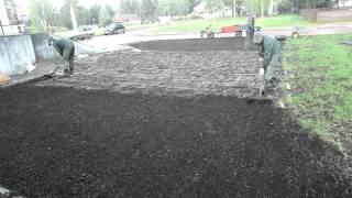 посев семян газонной травы(, 2011-09-15T09:56:47.000Z)