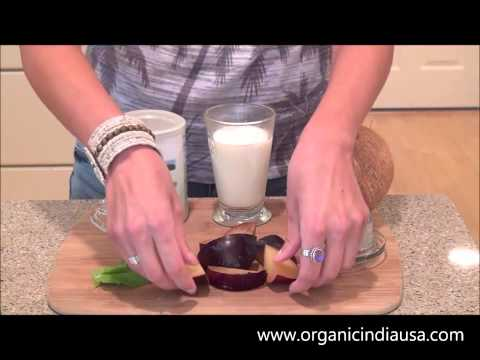 Making a Tropical Plum Smoothie with ORGANIC INDIA Organic Moringa Powder