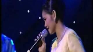 Video Siti Nurhaliza @ Royal Albert Hall - Percayalah download MP3, 3GP, MP4, WEBM, AVI, FLV Maret 2018