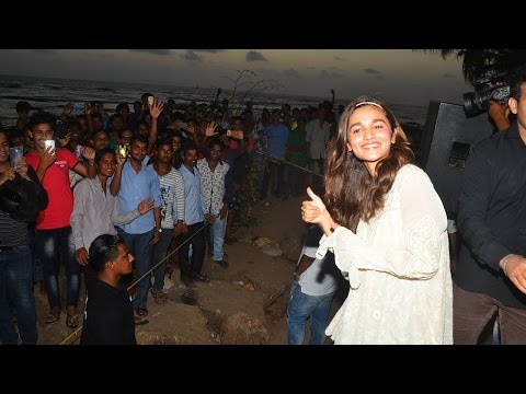 Alia Bhatt Showered With Love By Underprivileged Kids