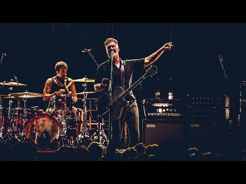 Queens of the Stone Age - The Evil Has Landed (live at Studio Brussel)