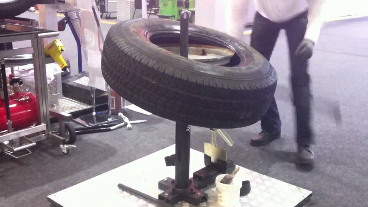 Tire Changing Hand Tools >> Gaither 12770 Mounting Contritrac SUV Tire - YouTube